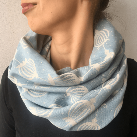 šálik_sestrice_poppy_misty_blue_loop_scarf